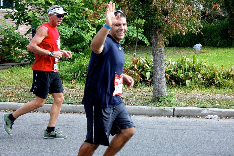 Coach Mike Gomez runs marathon to raise funds for senior's tuition