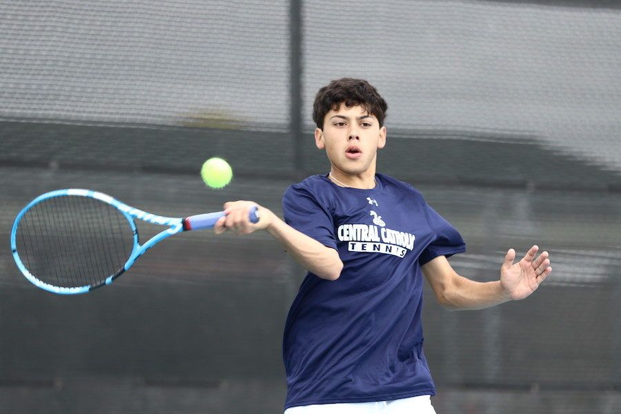 Central Tennis clinches berth at State finals