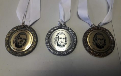 Select Seniors honored with Marianist Medallions