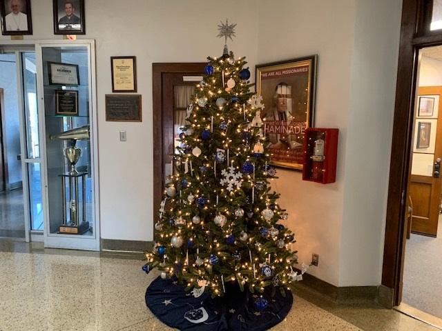 Spirit of the Christmas season seizes Central