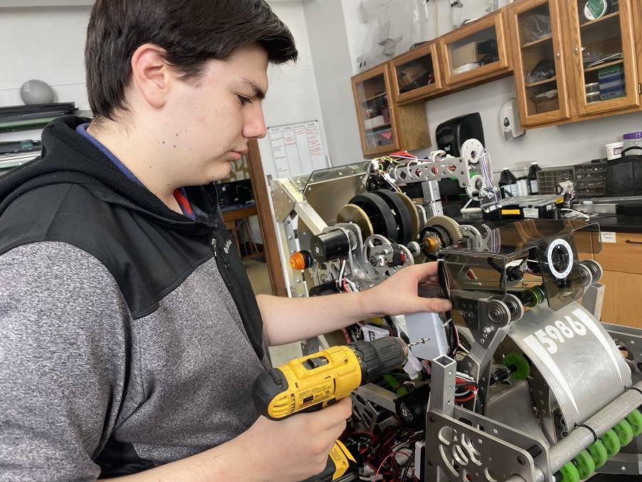 Iron Fangs ramp it up to rock Robotics season
